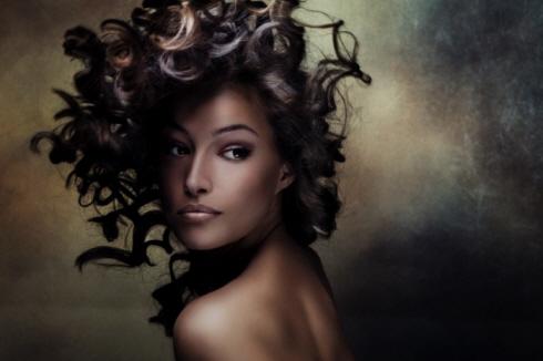 Фото: уход за кудрявыми волосами