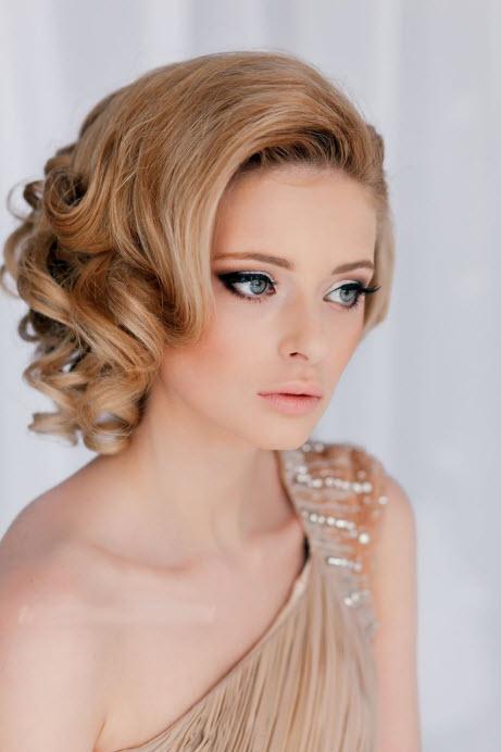 Вечерняя укладка для средних волос и косой челки