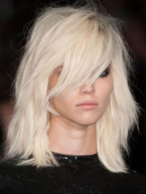Удлиненные челка на средние волосы