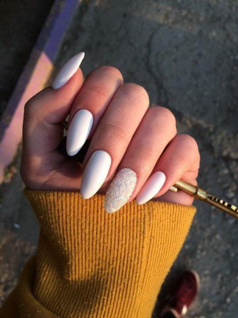 Белый маникюр на длинные ногти: 2019