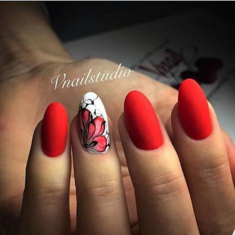 Матовый красный маникюр: фото
