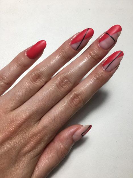 Маникюр красный с черным