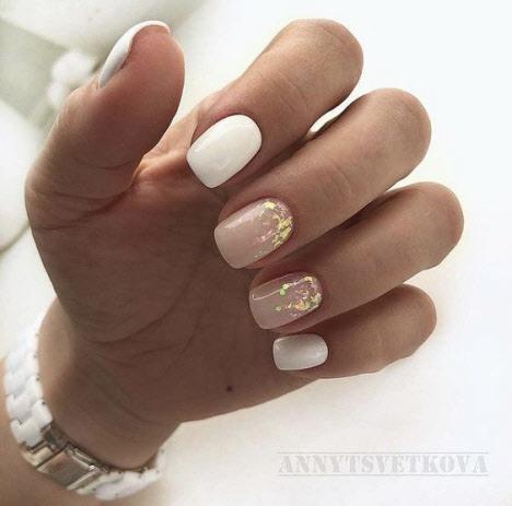 Нюдовый маникюр на короткие ногти