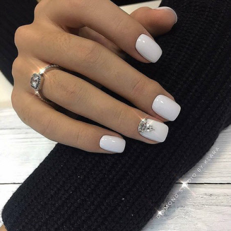 Свадебный маникюр на короткие ногти