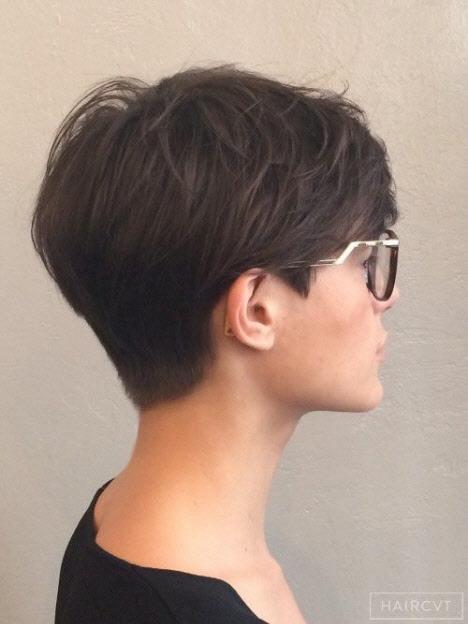 Стрижка для густых волос на короткие волосы