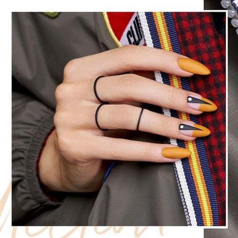 Маникюр негативное пространство на длинные ногти