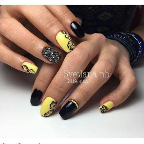 Модный желто-черный маникюр