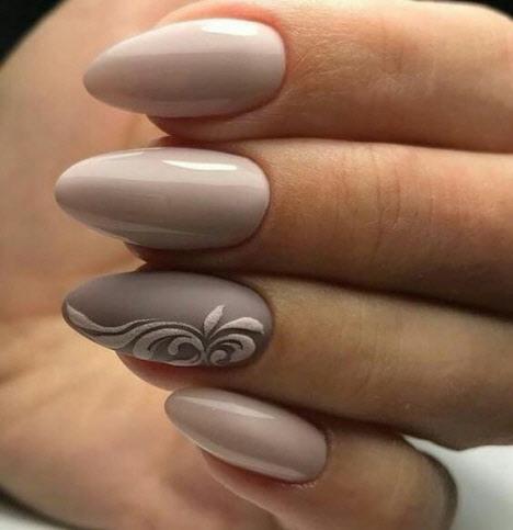 Нежный маникюр на миндалевидные ногти 2019-2020