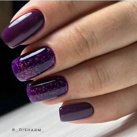 Стильный фиолетовый маникюр 2020