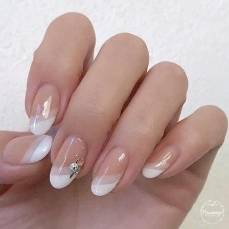 Френч на миндалевидную форму ногтей