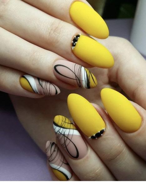 Маникюр на миндалевидные ногти 2020: фото дизайн
