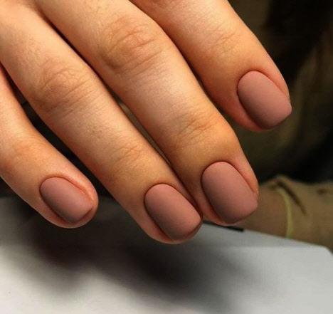 Матовый маникюр на очень короткие ногти