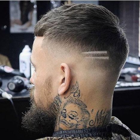 Короткая мужская стрижка с выбритым виском