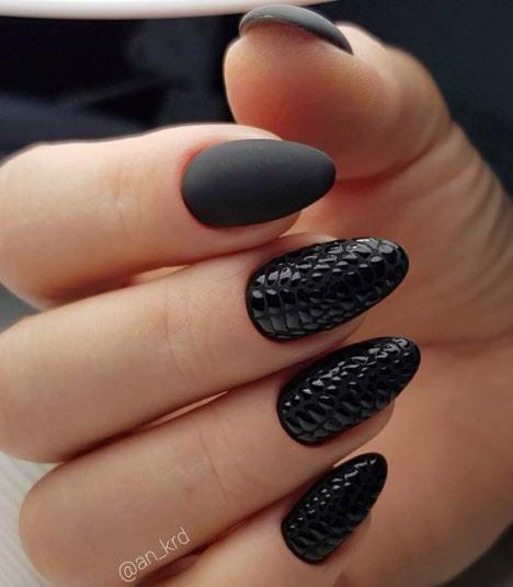 Необычный принт на ногтях