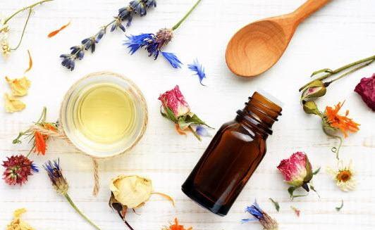 Домашние маски для волос с эфирным маслом. Топ 5 рецептов масок от выпадения, для укрепления и питания волос