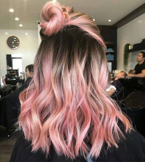 Окрашивание с розовым оттенком: модный тренд 2020
