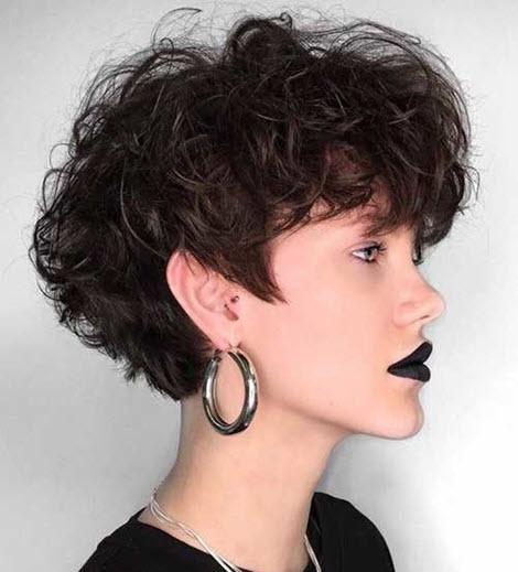 Модные прически с кудрями 2020 на разную длину волос