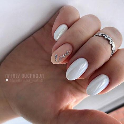 Маникюр нюд на миндалевидную форму ногтей