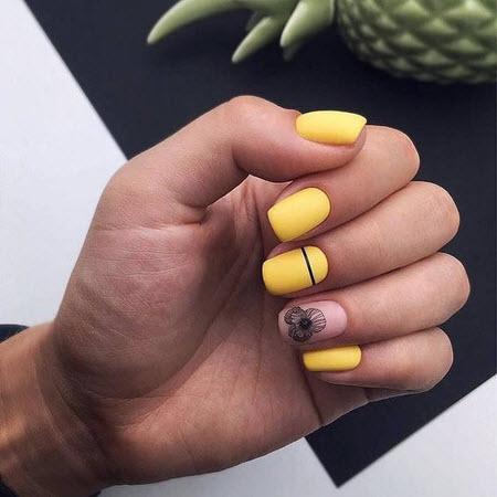 Желтый маникюр 2020-2021