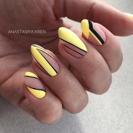 Красивый желтый маникюр