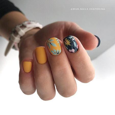 Фото новинки матового маникюра на короткие ногти 2020-2021