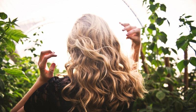 Советы по уходу за жирными волосами