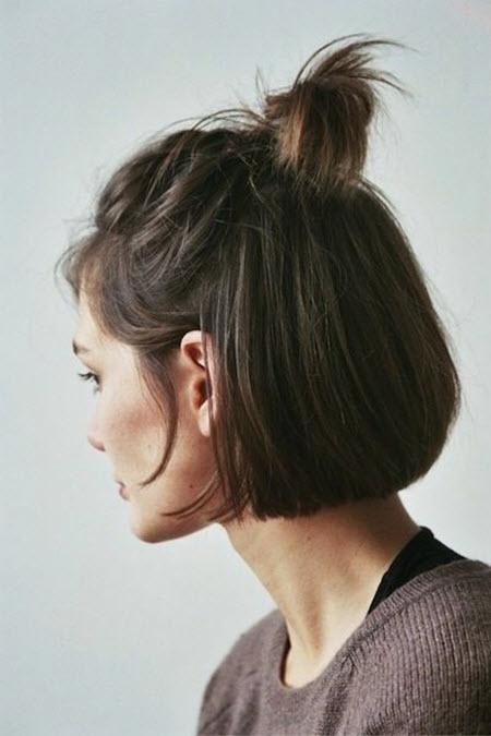 Прическа топ кнот для подростков на короткие волосы в школу