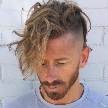 Мужская стрижка андеркат на кудрявые и вьющиеся волосы