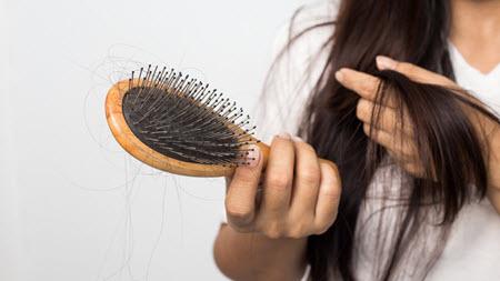 Выпадение волос: как решить проблему?