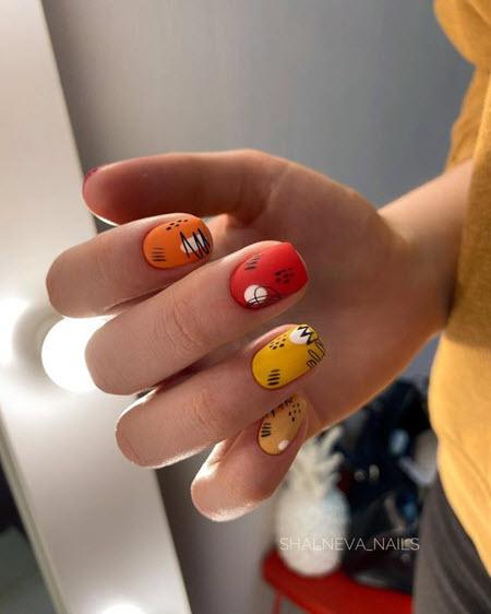 Модный дизайн ногтей с рисунком