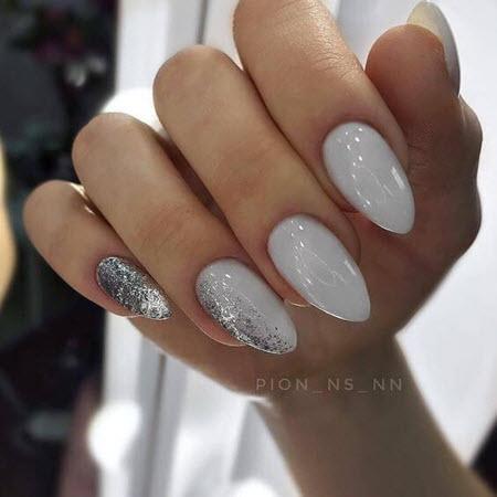 Нюдовый маникюр на миндалевидные ногти