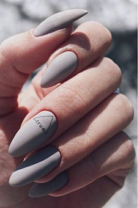 Дизайн ногтей с надписями