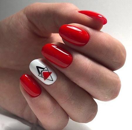 Красный маникюр