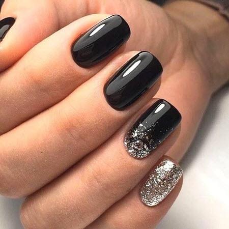 Модный и красивый черный маникюр