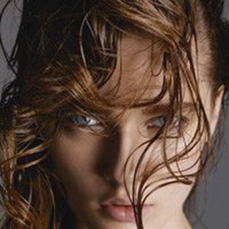 Как следует изменить режим ухода за волосами зимой?