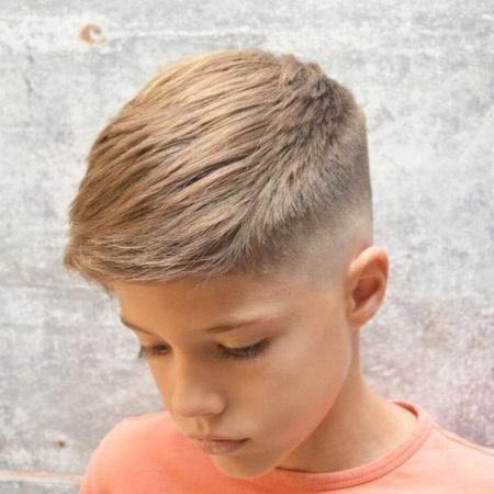 Фото модных стрижек для мальчиков школьного возраста