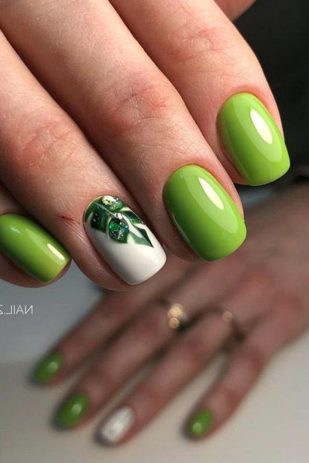 Фото новинки маникюра лето на короткие ногти