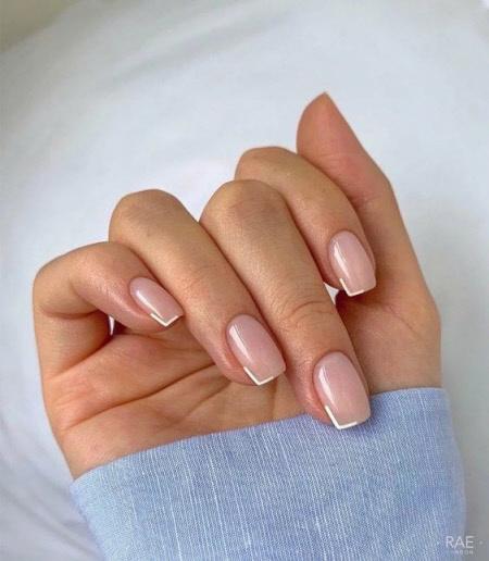 Фото красивого французского маникюра на короткие ногти