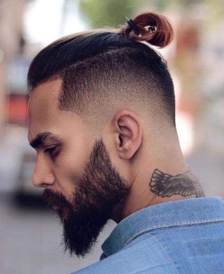 Мужская стрижка с пучком top knot