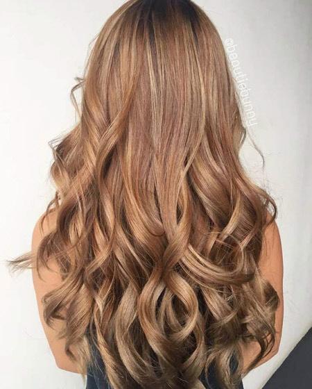 Модные темные оттенки волос: актуальные тренды для брюнеток