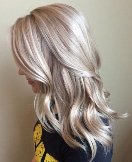 Светлые волосы цвета шампанского