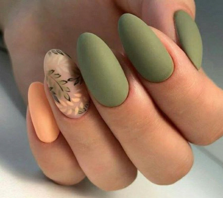 Оливковый цвет маникюра