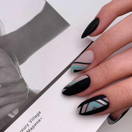 Красивый дизайн ногтей геометрия