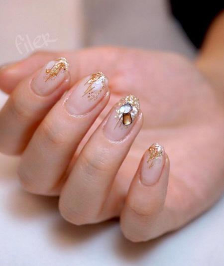Матовый зимний дизайн ногтей