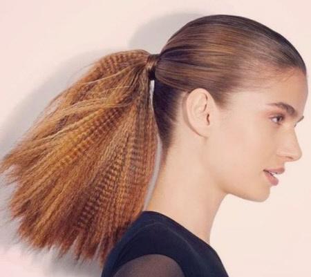 Фото стильных причесок на средние волосы