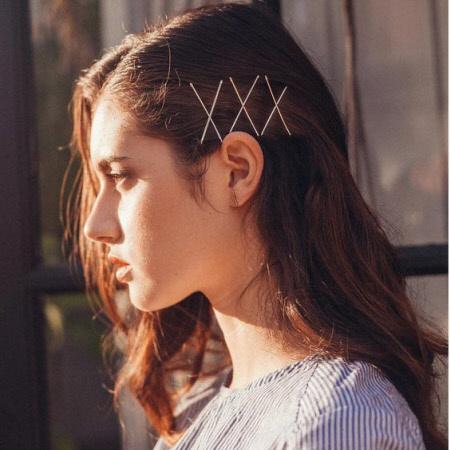 Стильные прически для волос с аксессуарами